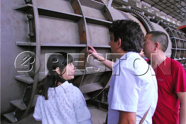 Biomass carbonization machine