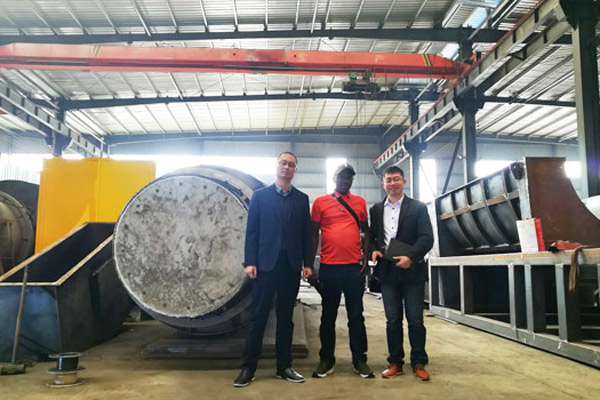 Kenya Customer Came to Beston Plant to See Charcoal Making Machine in October, 2018.